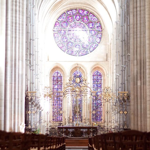 En poursuivant notre route sur le chemin des cathédrales: coup de foudre absolue pour Notre Dame de Laon. Pureté et majesté du gothique primitif <3 #laon #cathedrale #gothique